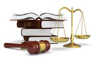 """Ideas & Business – Disclaimer – Martelletto da """"giudice con bilancia e libri"""