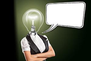 Busto di donna con una lampadina al posto della testa