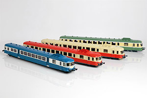 Railcar SNCF X 2800 1:43,5 scale proposed in four different liveries.